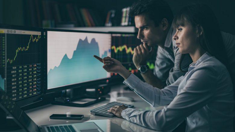 Stock Market Analysts